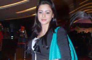 Aamna Sharif Bio, Wiki, Height, Weight, Age