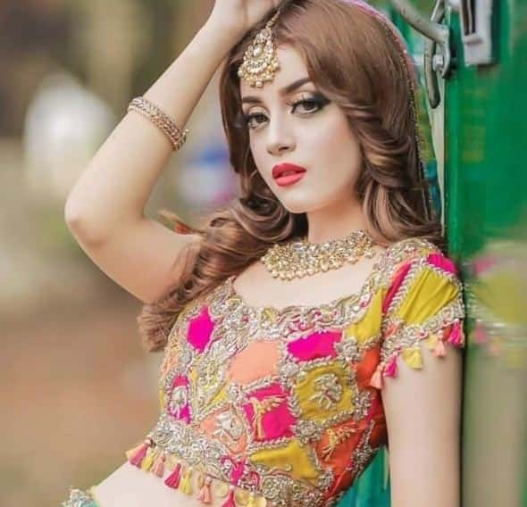 Beauty Girl Alizeh Shah