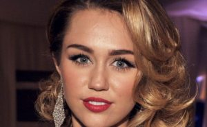 Popular Singer Miley Cyrus Celebrates her 26th Birthday With Liam Hemsworth