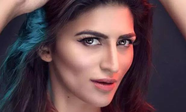 Ekra Faiz Biography, Height, Age, Family, Dramas, Body Statistics