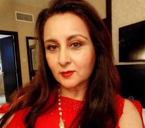 Poonam Dhillon Height