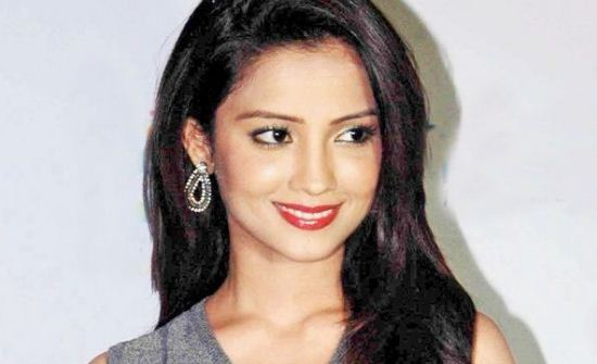 Adaa Khan Height