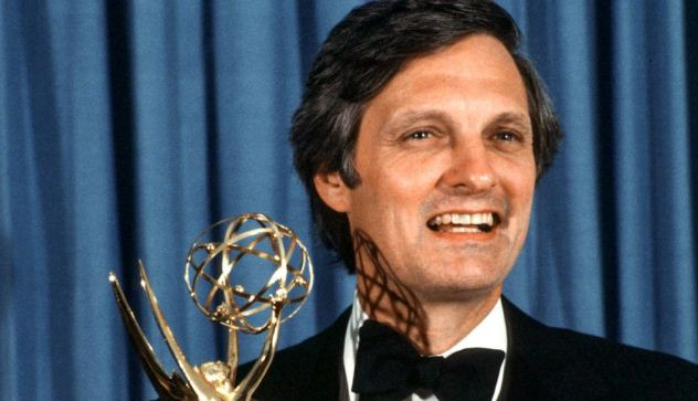 Alan Alda Height