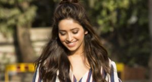 Asha Negi Height
