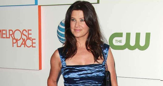 Daphne Zuniga Height