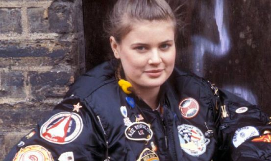 Sophie Aldred Height