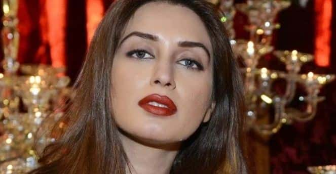 How Tall is Iman Ali?
